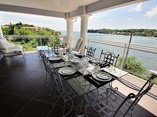 Appartement 2CH, terrasse vue mer, accès mer