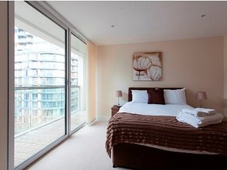 Spacious apartment in London with Lift, Internet, Washing machine, Balcony