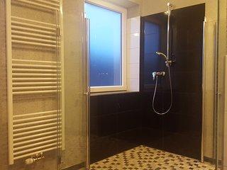 107m2 Sauna Lounge & 12m2 Balkon/Balcony