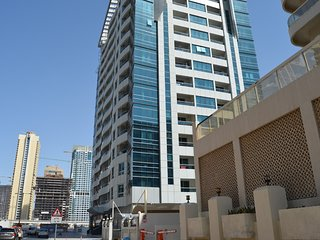 Spacious apartment in Dubai with Lift, Parking, Internet, Washing machine