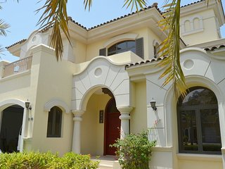 Villa in Dubai with Terrace, Air conditioning, Lift, Internet (443196), Dubaï