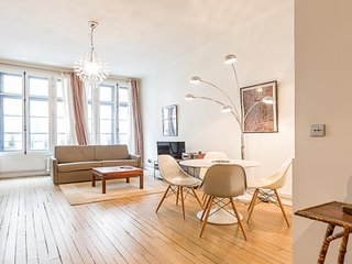 Parisian Trendy Flat for 4 - Near Montmartre, Parijs
