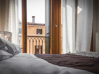 Apartment in Venice with Air conditioning, Balcony, Washing machine (443398), Venecia