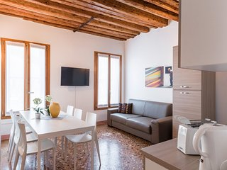 Apartment 648 m from the center of Venice with Air conditioning (443405)