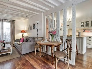 Apartment in the center of Paris with Washing machine (444499)