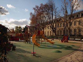 Apartment in Paris with Lift (465775)