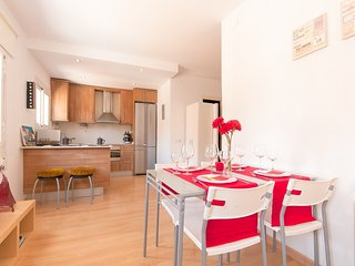 Apartment in Barcelona with Air conditioning, Lift, Internet, Parking (503954)
