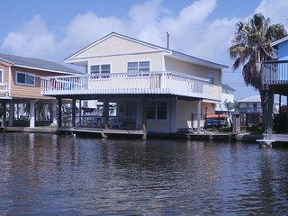Crabbin' Cabin