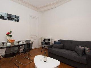 Apartment in Paris with Lift (509105)