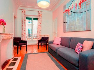 Apartment in Paris with Washing machine (509120)