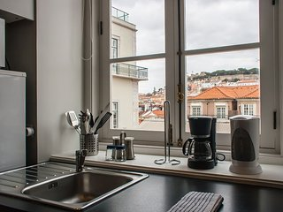 Apartment in the center of Lisbon with Air conditioning, Lift, Balcony, Washing