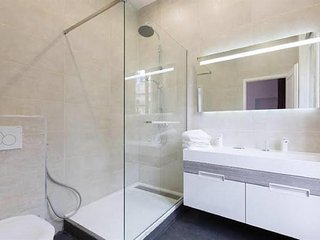 Apartment in Paris with Air conditioning, Lift, Washing machine (528493)