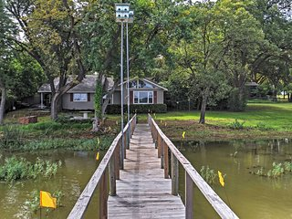 NEW! 2BR Fort Worth House w/Lake Worth Views!