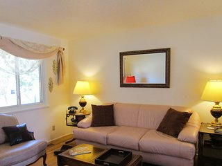 Unwind In Our 3 Bedroom Home - quiet neighborhood., Santa Fe