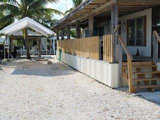 2/2 Full Kitchen Canal w/ Dockage Oceanview 33050, Marathon Shores