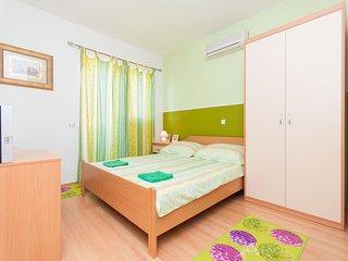Apartment and Rooms Mirjana - 11111-S1, Vodice