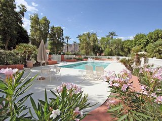 Picturesque 2 Bedroom & 2 Bathroom Condo in La Quinta (172LQ)