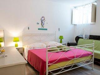 Apartment Manus