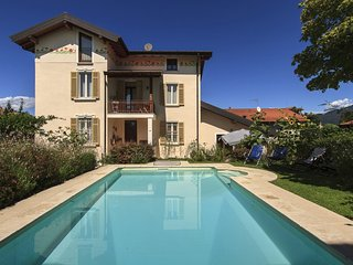 Pleasant holiday home with private pool!, Besozzo