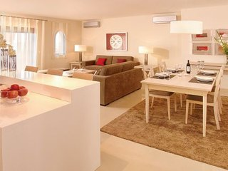 Lewa Pink Apartment, Amendoeira Golf, Algarve