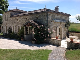 Stunning rural stone cottage in  unpoilt SW France