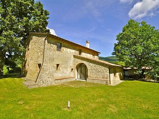 Villa Porcareccia with private swimming pool, Sarteano