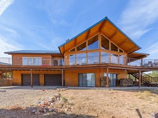 Red Canyon Lodge, Summit