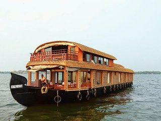 Gokul cruise Four bedroom houseboat, Alappuzha