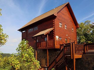 Chocolate Moose the premier cabin that everyone can count on!, Sevierville