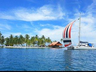 Catamaran SC in San Blas (Panamá) without food, Carti Tupile