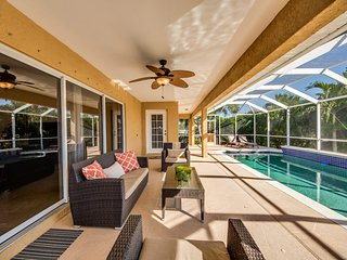 Villa Maravilla~Family Game Room~Family Fun-Huge Pool!, Cape Coral