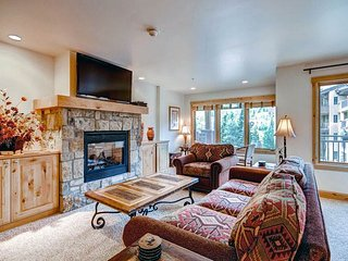 Lion Square - North 396, Vail