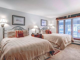 Lion Square - South 373, Vail