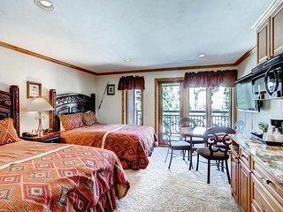 Lion Square - South 461, Vail