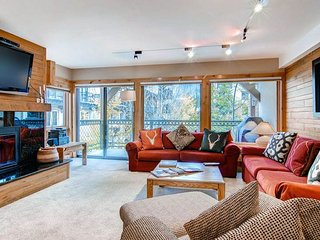 Montaneros 202 - Three Bedroom Residence, Vail