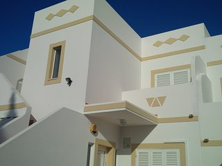 Modern Two bedroom Apart with sea view, Carvoeiro.