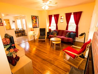 Cozy 2BD Apt - East Rock - 2 blocks from Yale SOM