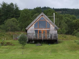 Osprey Log Cabin, with loch views and log burner