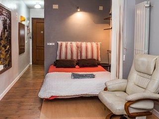 Apartamento-Estudio Centrico, wifi, AC, SMARTV