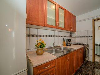 Apartment 858