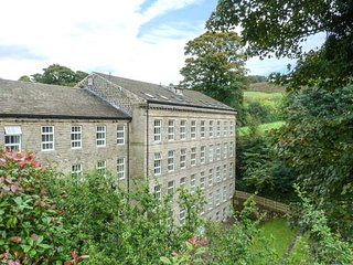 34 WOODLANDS MILL, Smart TV, modern apartment, WiFi, Skipton, Ref 926152