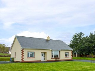 CAHERMINANE COTTAGE, detached, pet-friendly, private garden, woodburner, near Co