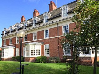 THE FEVERSHAM, city location, off road parking, WiFi, in York, Ref 946244