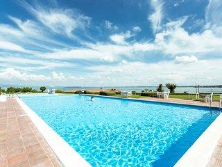 Villa Marisa, vicino alla spiaggia, Padenghe sul Garda