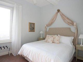 La Tour du Chateau - Room with king bed, Ventenac-en-Minervois