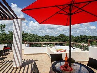 TAO Inspired Two Bdrm Luxury Corner Penthouse, Akumal