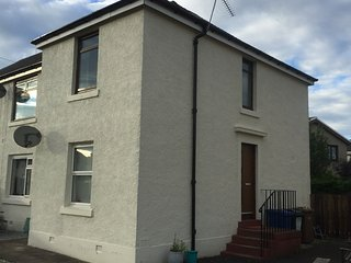 Cosy home on outskirts of Edinburgh. Up to 4 guest, Livingston