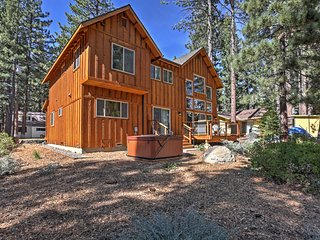 Gorgeous South Lake Tahoe Home w/ Private Hot Tub!