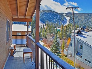 Beautiful views and close to Keystone Lifts and Rentals - 2BR, 2BA Ski Condo