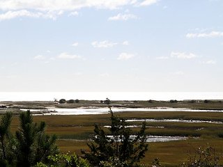 3BR, 2BA S. Chatham Family Home. Views of Nantucket Sound – Walk to Beach